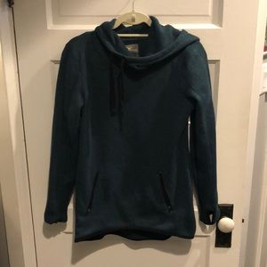 Activewear sweater pullover